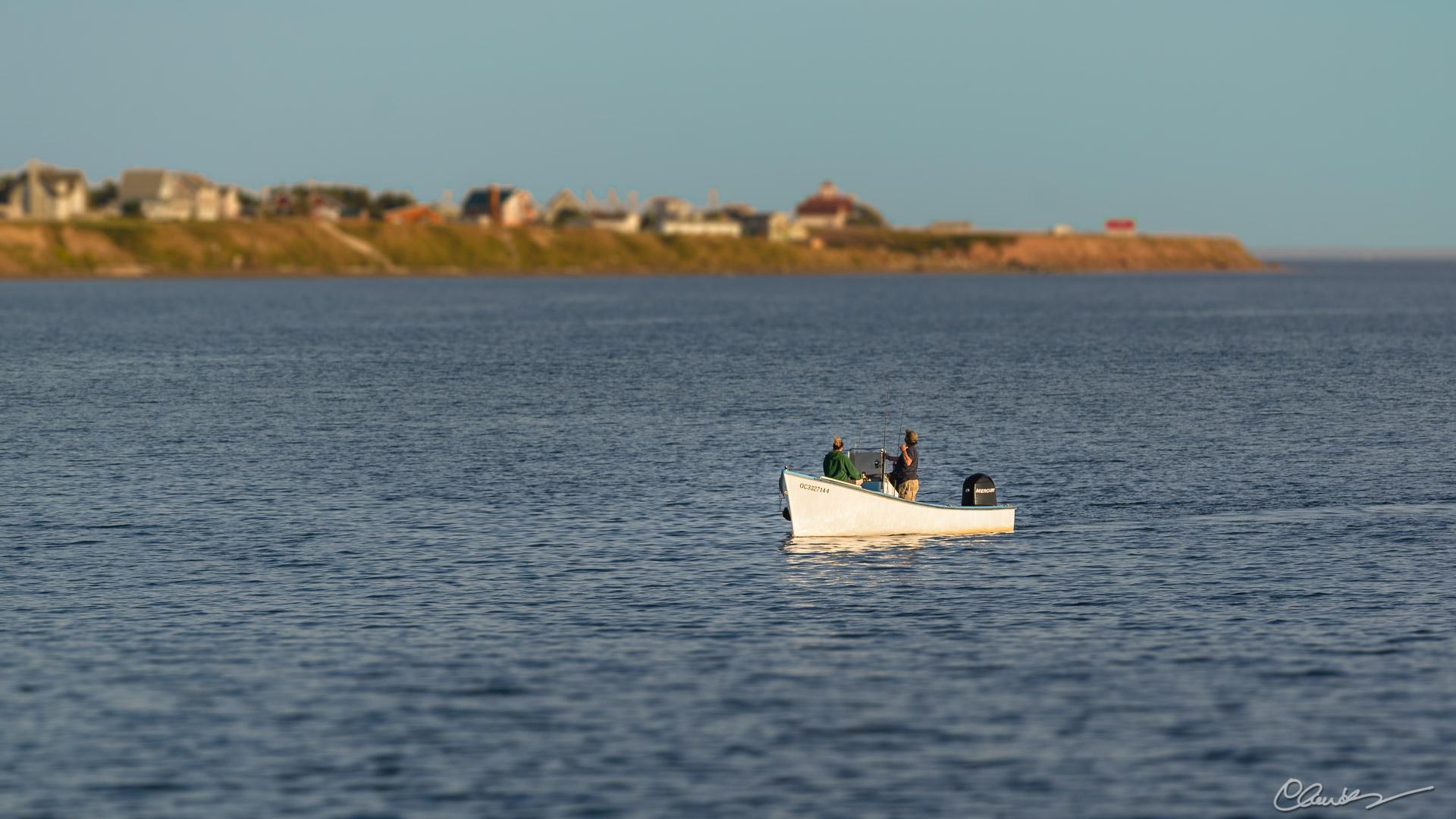 Retour de la pêche / Returning from a fishing excursion