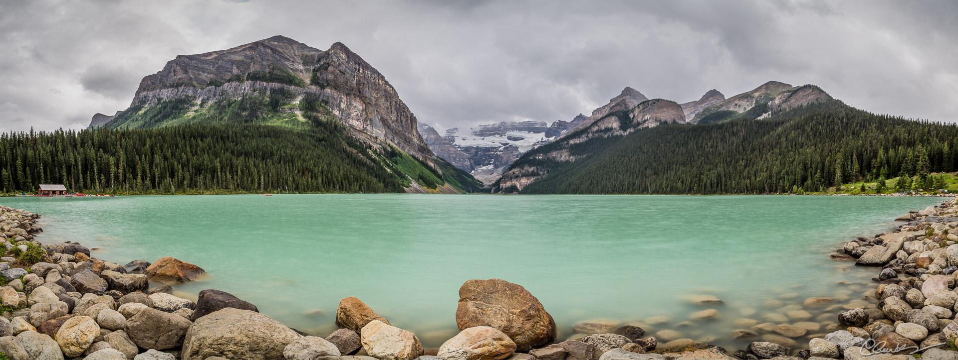 Lac Louise Lake