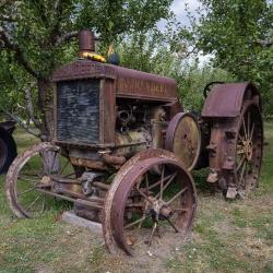 Similkameen Valley : John Deer d'époque / Old John Deer