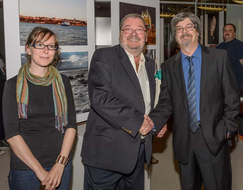 Jocelyn Delamarre entouré de Pierre Mongrain et d'Isabelle Foisy, professeurs au CFP