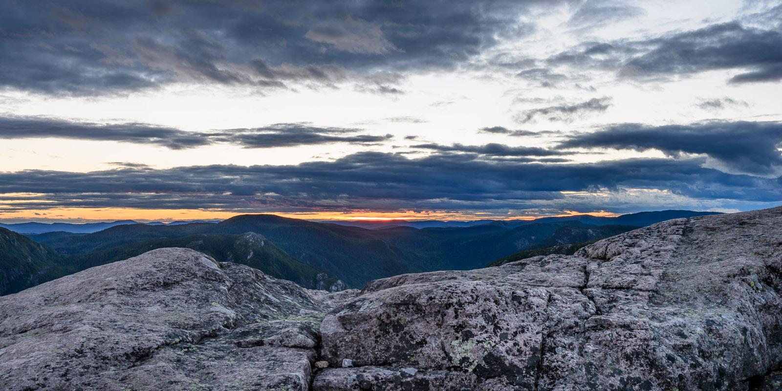 Mont du lac des Cygnes: juste au moment où le soleil vient de se coucher
