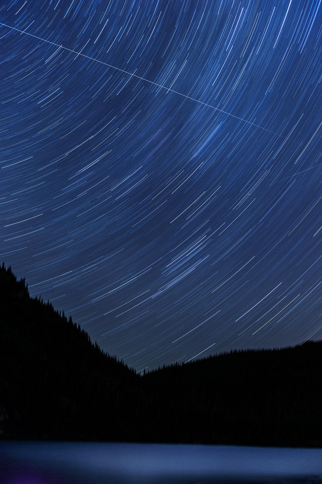 Lac Georges (Mon du lac des Cygnes) : Filé d'étoiles réalisé sur une période de 30 minutes