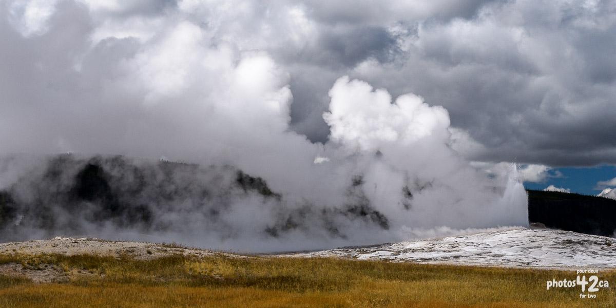 Activité géothermique / Geothermal activity