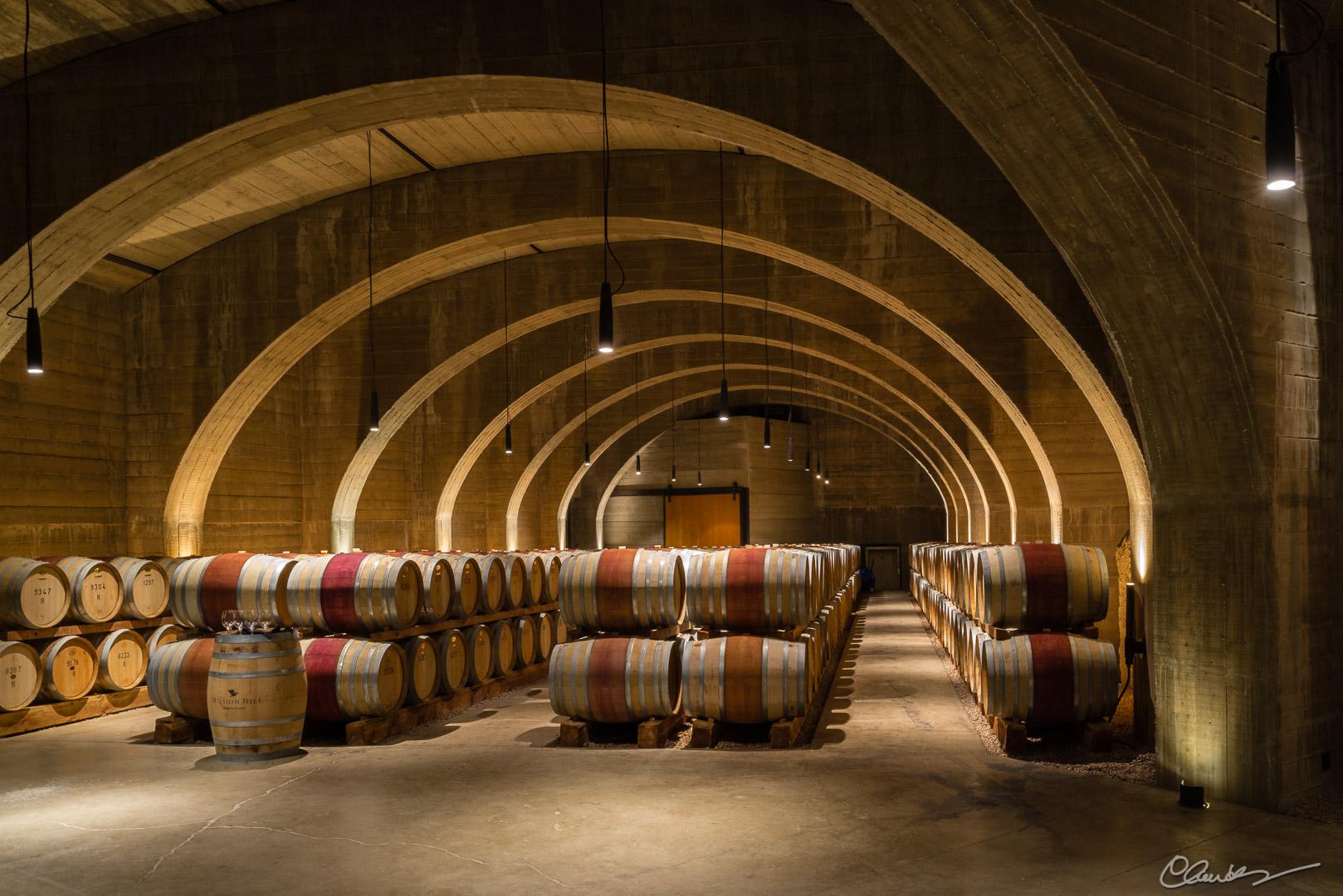 Le cellier du vignoble Mission Hill / Mission Hill Cellar
